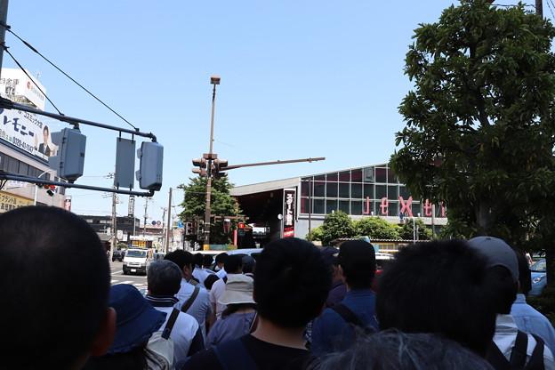 鉄道のまち大宮 鉄道ふれあいフェアの列で並ぶ客たち