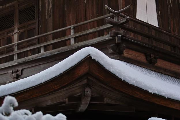 35.屋根に積もった銀閣観音堂の雪の厚み