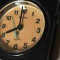 今朝の地震で落ちた時計
