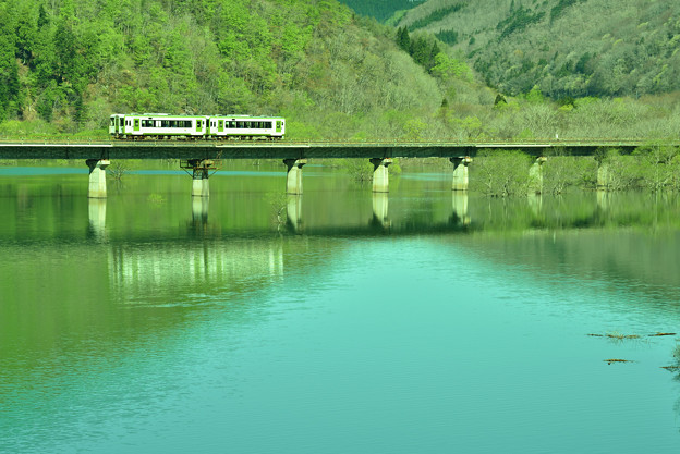 春の錦秋湖6