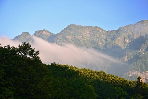 筋雲と戸隠山
