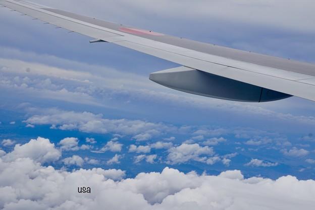 写真: 雲の上から、おはよう