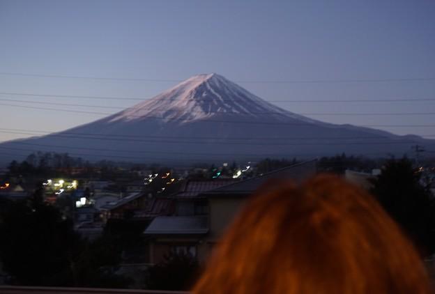 富士山を見つめる赤富士