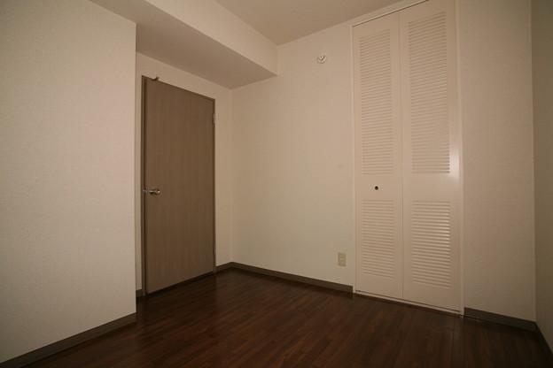 玄関側洋室(2)