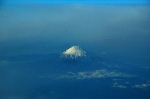 写真00664 東には霞の海に幻想的な富士山が浮かび上がって
