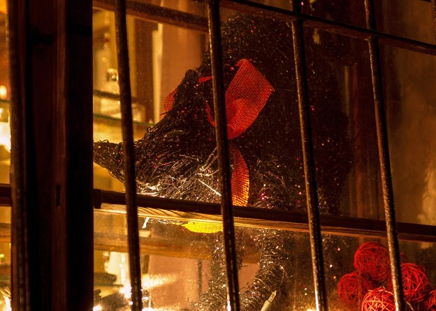 窓際のクロネコ