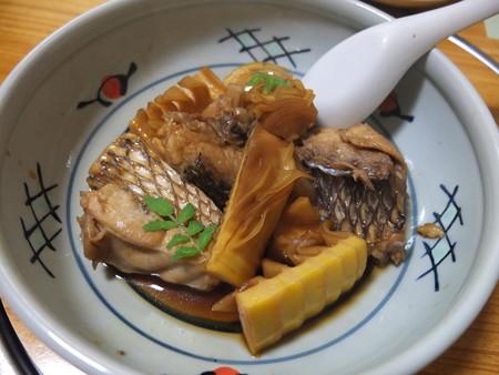割烹かこう(嘉肴) タケノコと鯛の腹側
