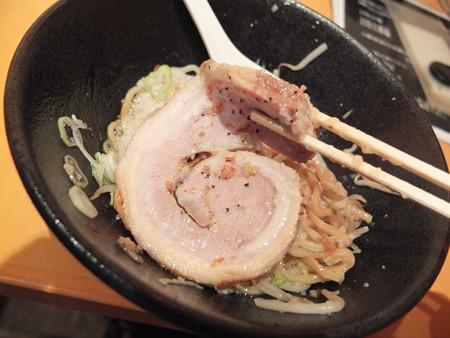 麺ぐるい 高田本町店 まぜそば(太麺&背脂多め) チャーシューアップ
