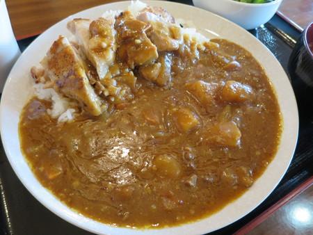 よしきゅう膳 新井ハイウェイオアシス店 鶏もも肉の塩焼きカレー アップ