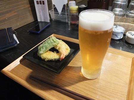 讃岐うどん房 鶴越 おつかれセット(1/3)¥1080 エビス生ビール1杯&海老入り天ぷら3品