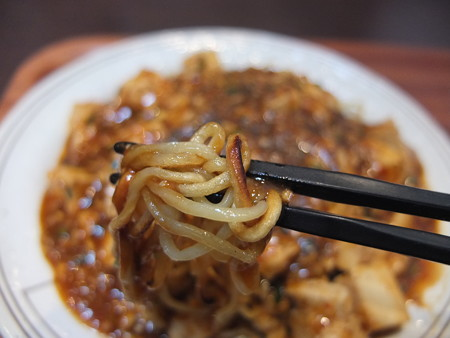 Dining&Bal Hot Seed 仙台名物 マーボー焼きそば 麺アップ