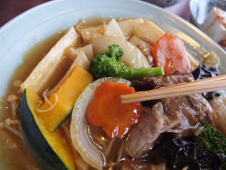 チャイナハウス シルクロード 東坡肉定食 盛り付けの様子