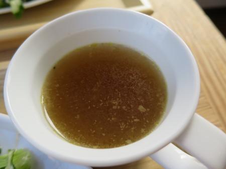 フェルの台所 エッグベネディクト スープアップ