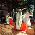 小学生の巫女舞