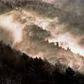 写真: 雪煙舞う