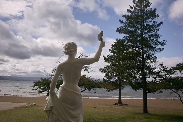 猪苗代湖の像