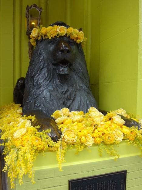 三越のライオン像