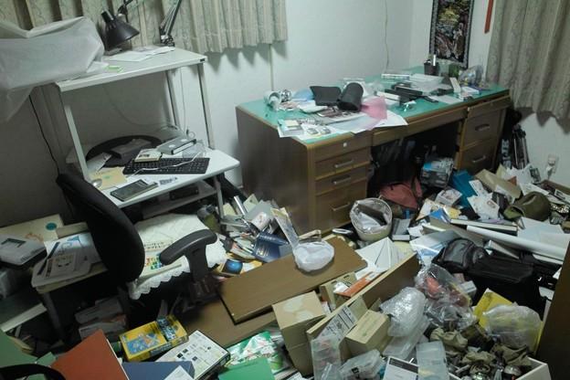 地震後の書斎