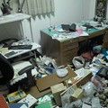 Photos: 地震後の書斎