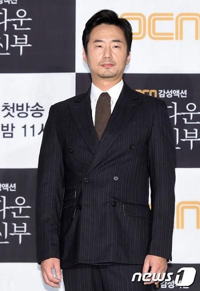 写真: 【公式】俳優リュ・スンス、6年ぶりに再びサイダスHQと専属契約