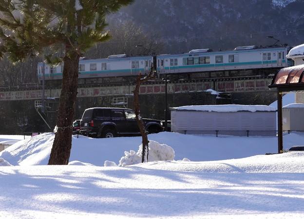 雪景色のローカル線