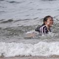 波と戯れて