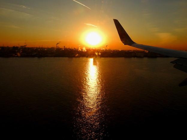 羽田近くの夕日なのです^^