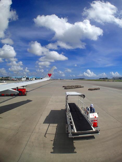 那覇空港は晴れていますです^^