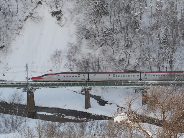 冬の秋田新幹線
