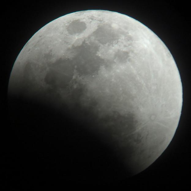 月食始まり