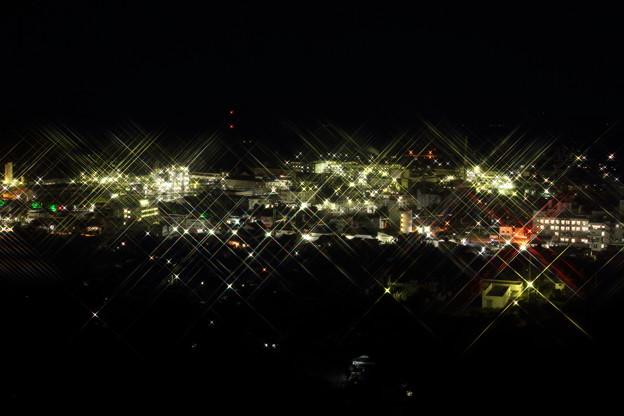工場の灯り