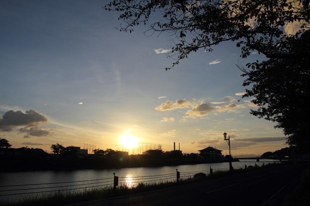水俣川対岸の夕日