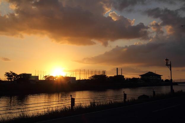 落陽・・水俣川下流