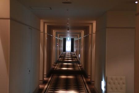 廊下も長い