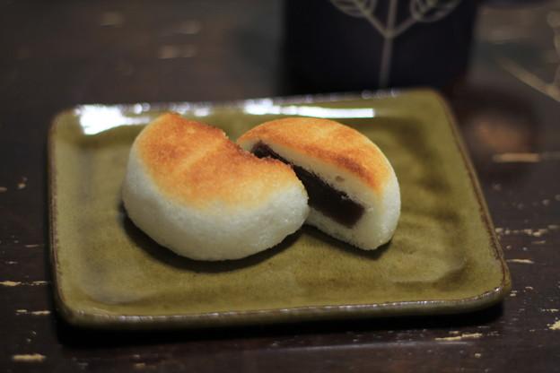 Photos: かるかん饅頭こんがり