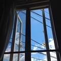 Photos: 桜桃忌の窓