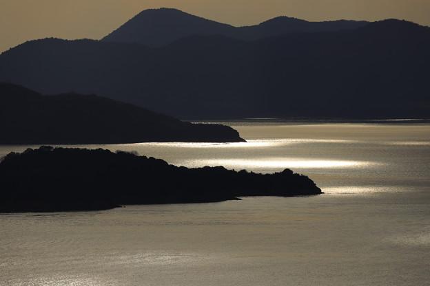 島と海と光と