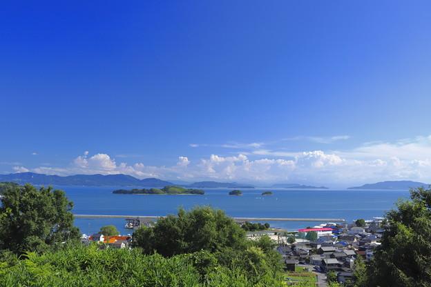 写真: 瀬戸の島々