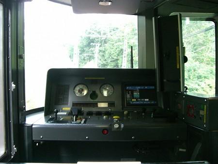 373-運転台