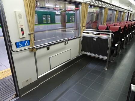 80EN-車椅子スペース2