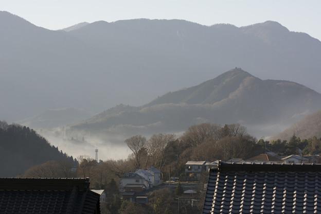 霧が覆う町
