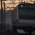 写真: 早起きの通勤電車