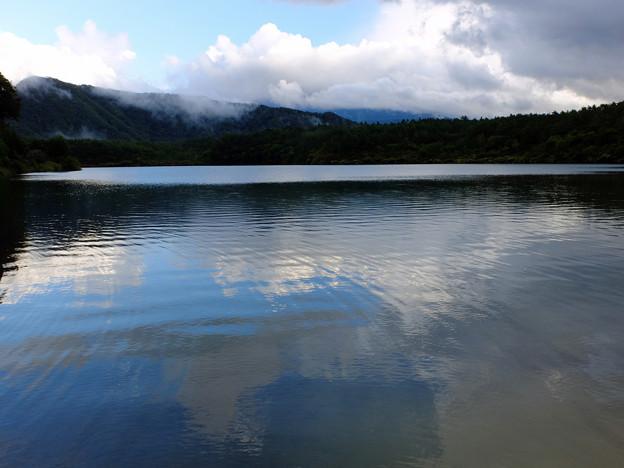 空と雲と西湖