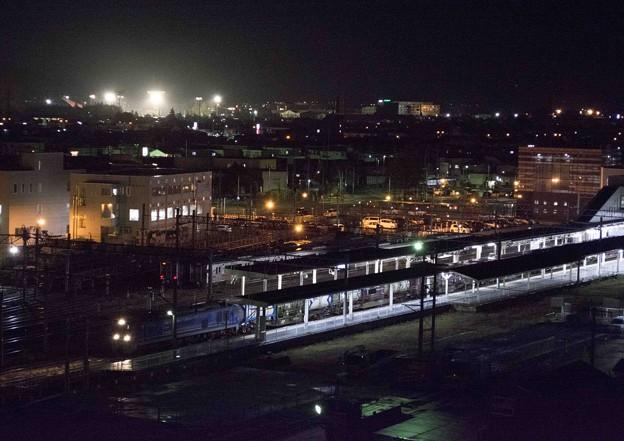 夜の貨物列車