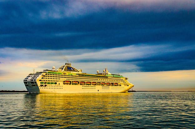 ー豪華客船の出港ー