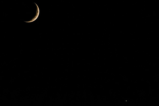 ー三日月と金星ー