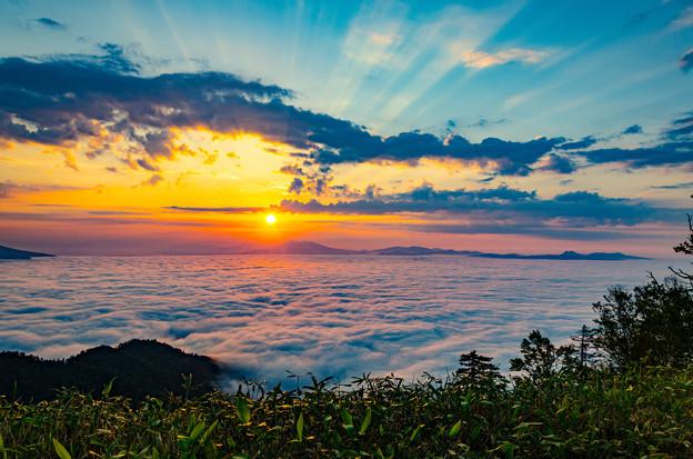 写真: ー雲海と御来光ー