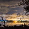 写真: ー湖。夜景ー