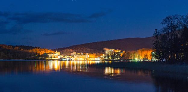 ー湖畔の灯りー