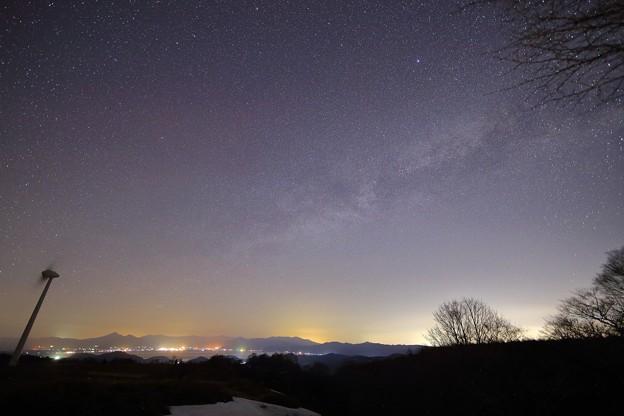 布引高原の星空と磐梯山と猪苗代湖